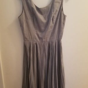 Gray Vintage sleeveless dress with pleated skirt